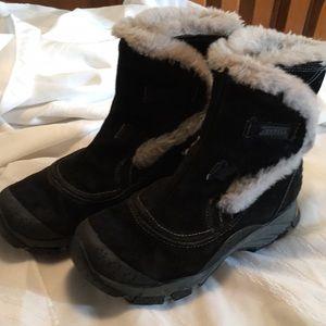 Merrell Vibram  boots size 6.5 black gray fur EUC
